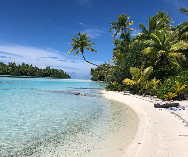 Strandhugg på One Foot Island i Aitutakis underbara turkosfärgade lagun - här kan du känna dig som Robinson för en dag!