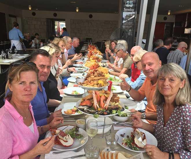 I Sydney njuter vi av en läcker skaldjursplatå på Nicks i Darling Harbour.